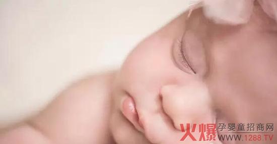宝宝整晚哭闹怎么破?这样做安睡一整夜